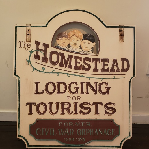 2019-08-15 old Homestead sign